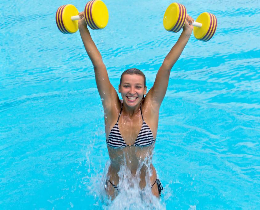 acquafitness piscina castiglione delle stivier